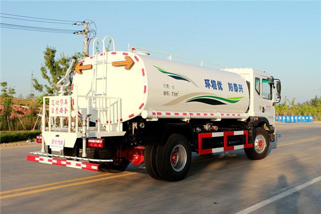 D9东风12吨洒水车整车外观图片